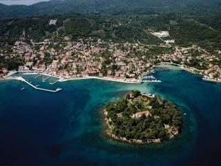 3 bedroom, Sea view Apartment leon - Island Ugljan vacation rentals