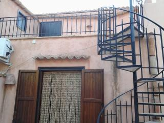 Nice 1 bedroom Castelluzzo Guest house with Internet Access - Castelluzzo vacation rentals