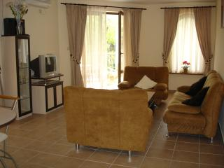 2 bedroom Condo with Internet Access in Sunny Beach - Sunny Beach vacation rentals