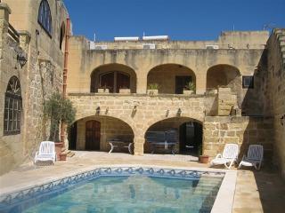 VICTORIA  GOZODREAMS FARMHOUSE - Ghasri vacation rentals