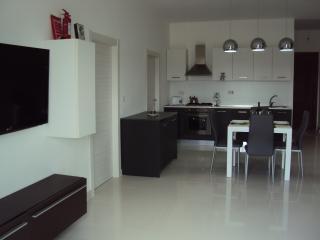 Perfect Condo with Internet Access and Balcony - Munxar vacation rentals