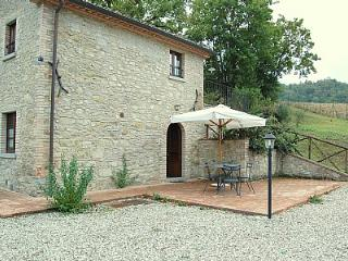 Cozy 2 bedroom Lippiano House with Deck - Lippiano vacation rentals