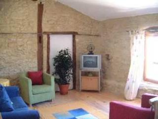 Sunny 2 bedroom Castelnaudary Gite with Internet Access - Castelnaudary vacation rentals
