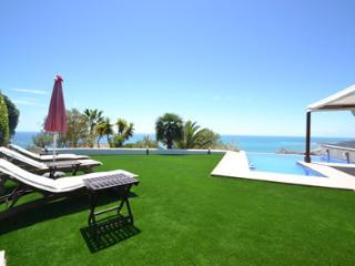 Sunny 5 bedroom Villa in Sitges - Sitges vacation rentals