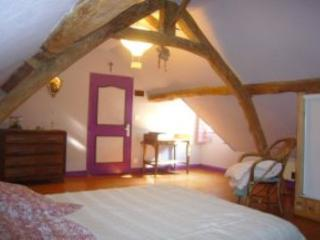 Cozy 2 bedroom Gite in Somme - Somme vacation rentals