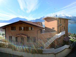2 bedroom Penthouse with Internet Access in Bellano - Bellano vacation rentals