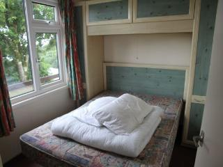 Comfortable 2 bedroom Instow Chalet with Central Heating - Instow vacation rentals