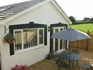 Porthcawl Holiday Cottage Bwthyn Ty'n Cae - 30271 - Porthcawl vacation rentals
