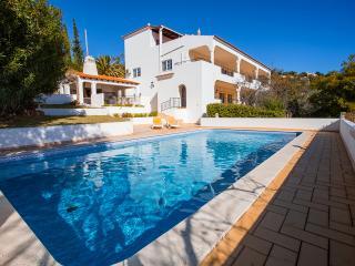 Lovely 4 bedroom Villa in Loule - Loule vacation rentals