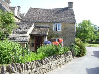 Well Cottage, a charming C16th Detached Cottage - Bourton-on-the-Water vacation rentals