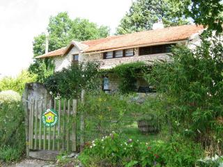 Nice Gite with Internet Access and Tennis Court - Flaugnac vacation rentals