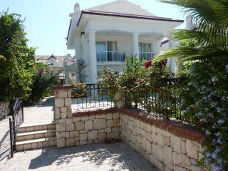 Palm Villa, private pool & 3 ensuite bedrooms   & Unlimited WIFI - Fethiye vacation rentals