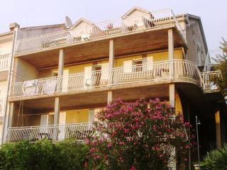 Perfect 2 bedroom Apartment in Slano - Slano vacation rentals