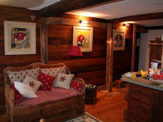 B&B la maison de la tante. Champorcher - Champorcher vacation rentals