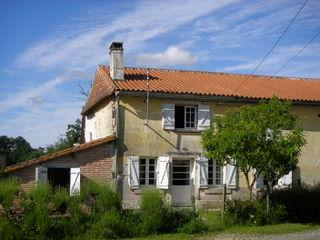 Bright 4 bedroom La Roche Chalais Gite with Internet Access - La Roche Chalais vacation rentals