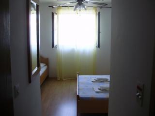 Hvar/Vrboska nice triple room - Vrboska vacation rentals