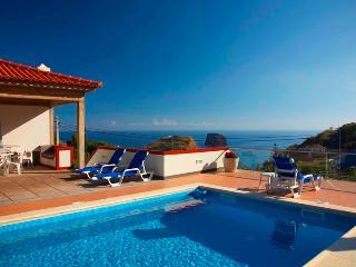 Villa Ricardo - Heated pool and Sea views! - Porto da Cruz vacation rentals