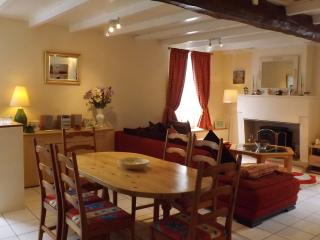 Nice Gite with Internet Access and Satellite Or Cable TV - Chateauneuf-sur-Charente vacation rentals
