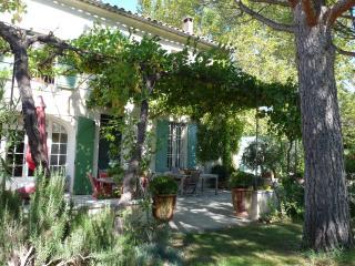 Nice 4 bedroom House in Chateaurenard - Chateaurenard vacation rentals