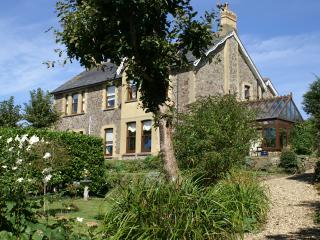 Lovely 7 bedroom Manor house in Poughill with Internet Access - Poughill vacation rentals