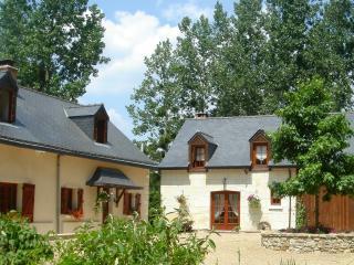 Beautiful 6 bedroom Cottage in Saint-Philbert-du-Peuple - Saint-Philbert-du-Peuple vacation rentals