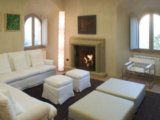 Nice 6 bedroom Bed and Breakfast in Todi with Internet Access - Todi vacation rentals