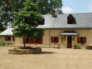 3 bedroom Cottage with Satellite Or Cable TV in Saint-Philbert-du-Peuple - Saint-Philbert-du-Peuple vacation rentals