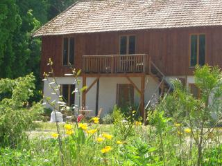 Apartment Nr Montpon-Menestrol - Montpon-Menesterol vacation rentals
