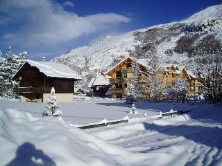 Apartment with pool in Serre Chevalier 1500 - Le Monetier-les-Bains vacation rentals