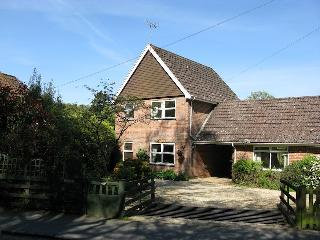 Lovely 2 bedroom Hampshire House with Internet Access - Hampshire vacation rentals