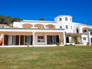 Perfect Villa with Internet Access and A/C - Faro vacation rentals