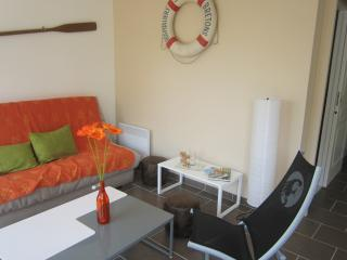 Nice 2 bedroom House in Brehal - Brehal vacation rentals