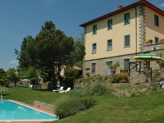 11 bedroom Villa in Pian Di Sco, Firenze Area, Tuscany, Italy : ref 2230216 - Pian di Sco vacation rentals