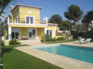 Perfect 5 bedroom Villa in Calpe with Internet Access - Calpe vacation rentals