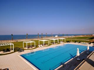 Beautiful 3 bedroom Condo in Guzelyurt - Guzelyurt vacation rentals