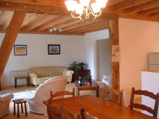 Lovely Gite with Satellite Or Cable TV and Swing Set - Saint-Yrieix-la-Perche vacation rentals