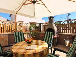 Beautiful 2 bedroom House in Marcana - Marcana vacation rentals