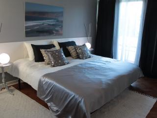 White House Cascais guesthouse - Cascais vacation rentals