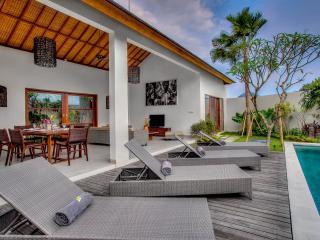 EchoBeachVilla 1 luxury beach villa, private pool - Canggu vacation rentals