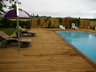 Nice 3 bedroom Nerac Gite with Internet Access - Nerac vacation rentals
