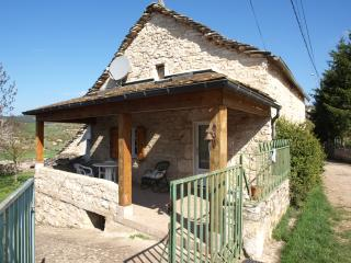 Bright 3 bedroom Gite in La Malene with Internet Access - La Malene vacation rentals