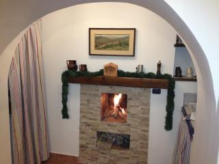 Cozy 2 bedroom Guest house in Potenza with Central Heating - Potenza vacation rentals