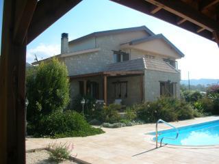 3 bedroom Villa with Internet Access in Nea Dimmata - Nea Dimmata vacation rentals