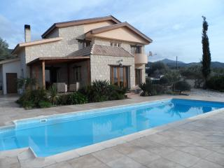 Beautiful Villa with Internet Access and A/C - Nea Dimmata vacation rentals
