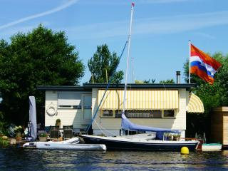 "Boathouse ""Het Waternest"", 20 km from Am - Leiden vacation rentals"