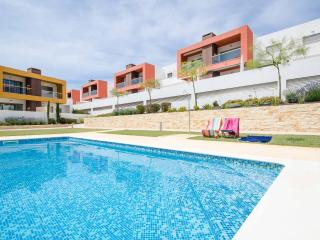 Brand New2 Bed Apt near Galé beach - Air-cond/WiFi - Albufeira vacation rentals
