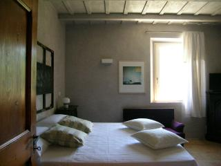 3 bedroom Bed and Breakfast with Internet Access in Serra San Quirico - Serra San Quirico vacation rentals