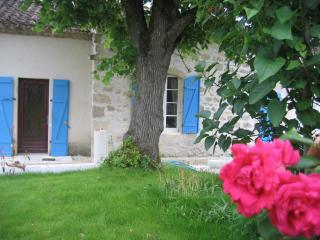 Wonderful 3 bedroom Cottage in Prayssas - Prayssas vacation rentals