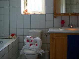 Cozy 3 bedroom Villa in Vori with Internet Access - Vori vacation rentals