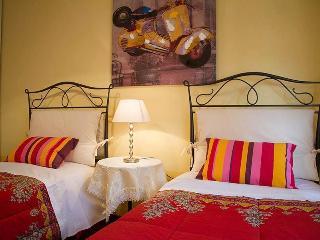 Diamante - City apartment in Tuscany - Foiano Della Chiana vacation rentals